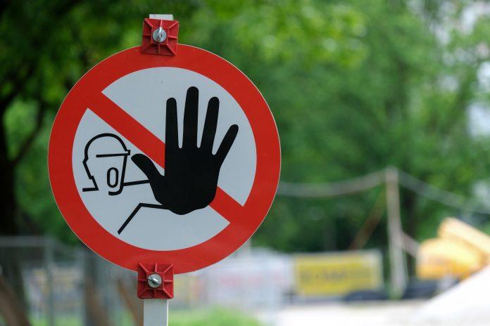 panneau signalétique extérieur pour les entreprises